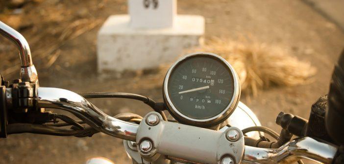 passer vitesse moto